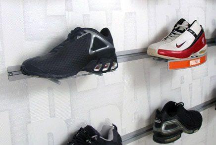 הנעלה - אביזרים לקיר מחורץ -כסוף